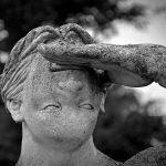 False statue